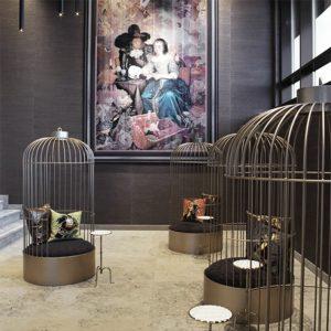 2 fauteuils Cages acier - hôtel Vander Valk Zwolle - anouchka potdevin